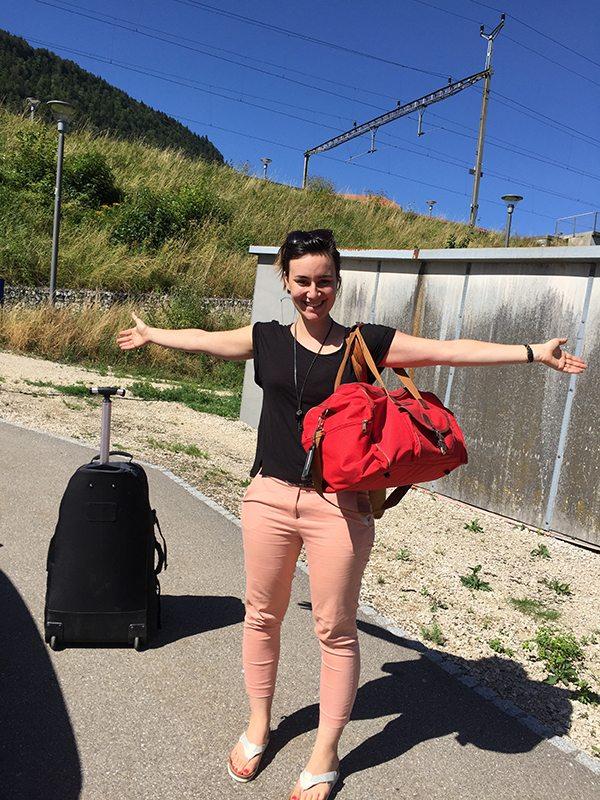 3f315e2db2454 Une nouvelle bénévole est arrivé pour donner un coup de main à l atelier!  Elle a le diplôme de graphiste et vient du Sud de la France.